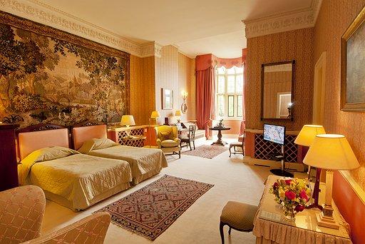 Hartwell Royal Twin Bedroom - Room 9