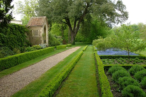 Hartwell House - Gardens