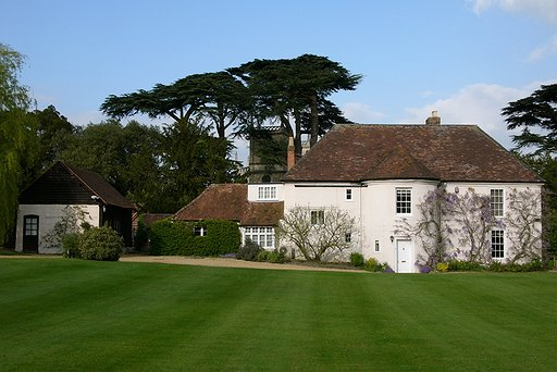 Old Rectory exterior from driveway