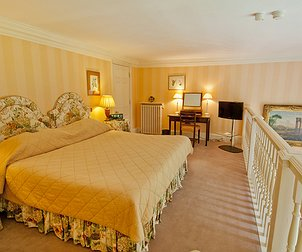 Hartwell Court Suites