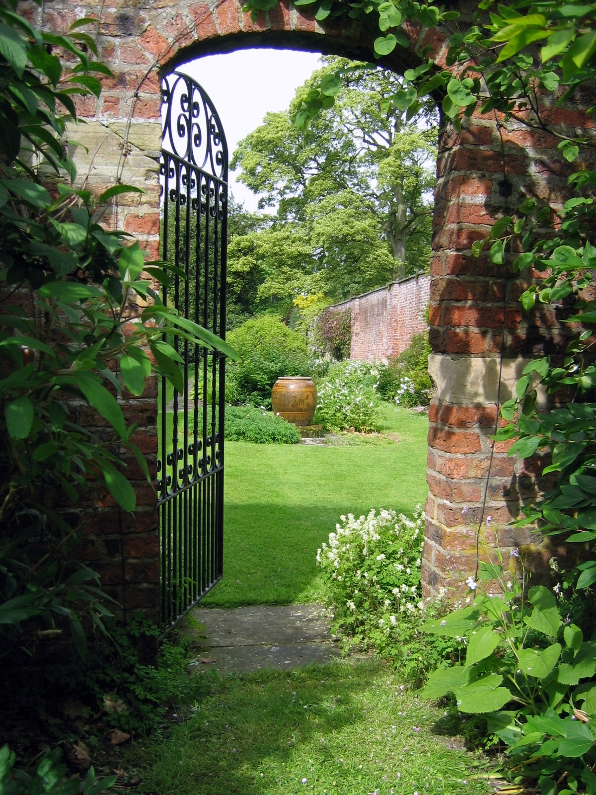 Gardens middlethorpe hall for How to make a garden gate door