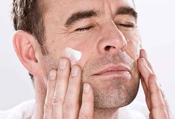 Should men moisturise?