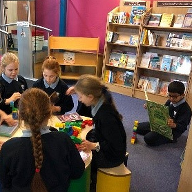 Juniors Visit the Library
