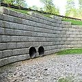 Redirock retaining wall