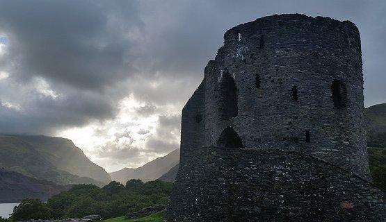 Castles of Contrast - Castell Dolbadarn
