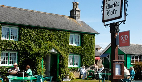 Bosherston Village - Quaint ivy covered tearoom