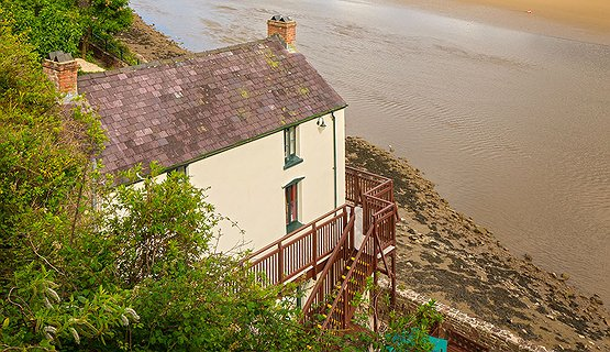 Dylan Thomas and Laugharne - The Boat House