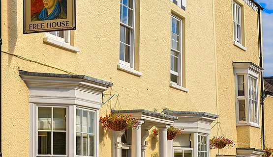 Dylan Thomas and Laugharne - Browns Hotel
