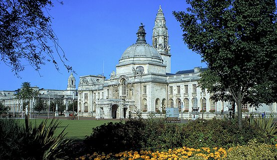 Cardiff City Hall - Impressive City Hall from 1905
