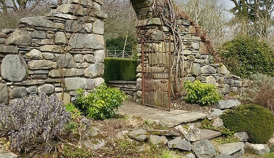 Vale of Clwyd Gardens 3