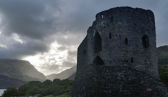 Castles of Contrast