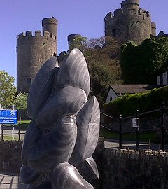 Conquest and Crossings in Conwy