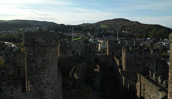 CONWY TOWN , FOOD AND DRINK WALK.